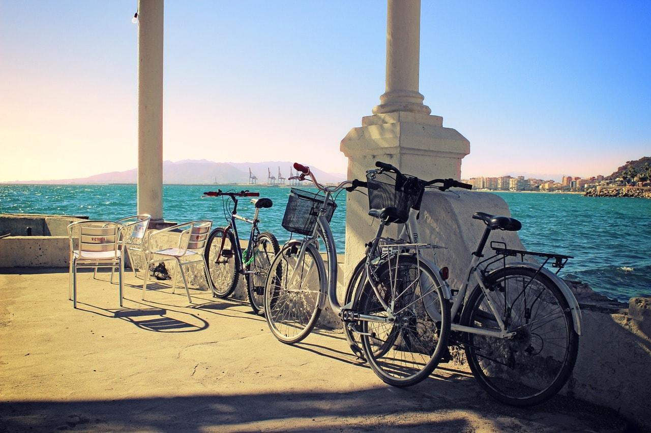 Pasea en bicicleta por Málaga con bagscare